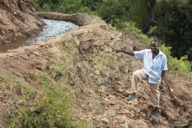 Repairs to traditional irrigation channel, Tot